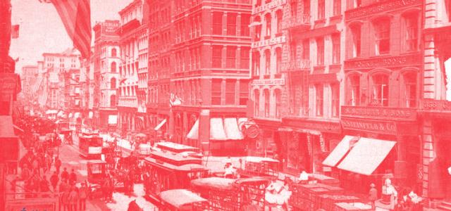 1904. De retour d'une tournée européenne, le magicien Houdini et sa femme Bess arrivent à New York. Harry a acheté une maison (qui existe encore !) au 278 West 113e […]