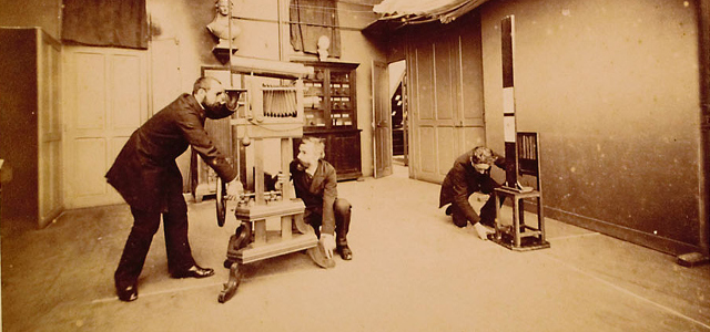 Alphonse Bertillon, pionnier des experts policiers Exposition « La science à la poursuite du crime » du 14 septembre 2019 au 18 janvier 2020 dans le site des Archives nationales de Pierrefitte-sur-Seine […]